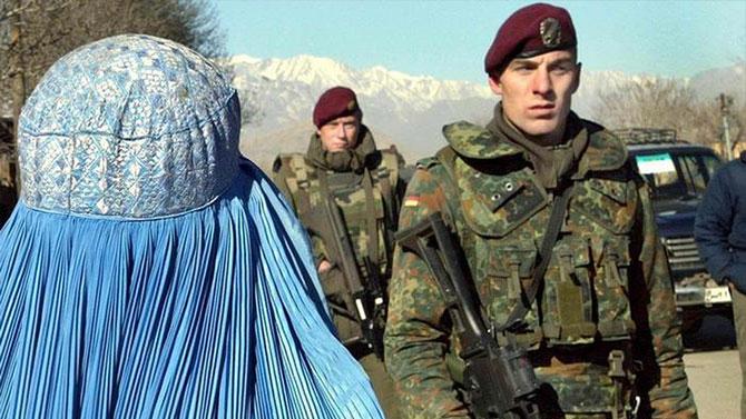Alman askerleri Afganistan misyonunda
