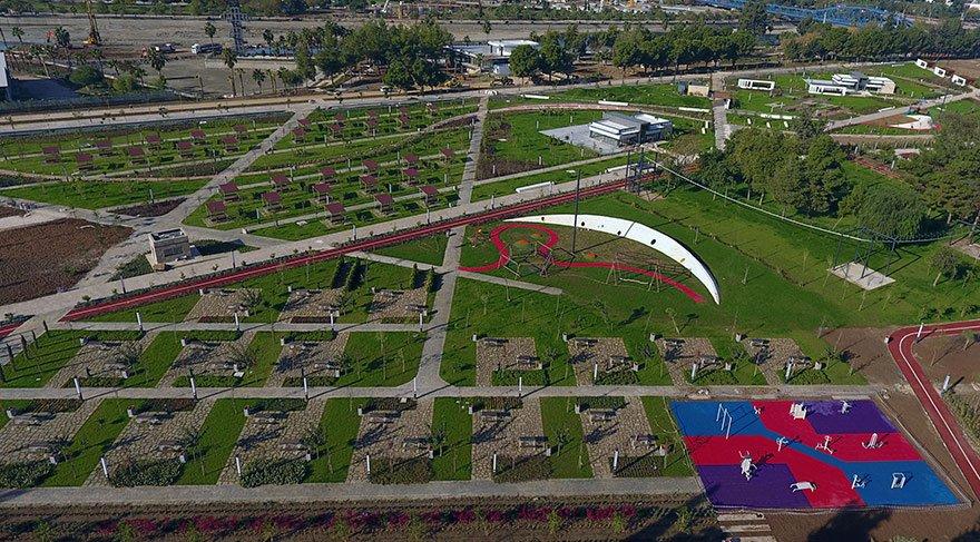 Adana'da, Yüreğir Belediyesi tarafından 130 dönüm alana Seyhan Nehri kıyısında millet bahçesi yapıldı.