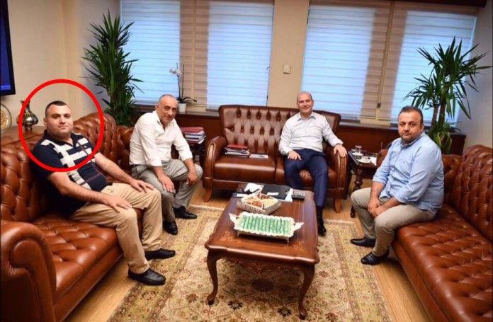 Bektaşoğlu Süleyman Soylu'nun danışmanı Ali Faik Hacıoğlu'un makamında.