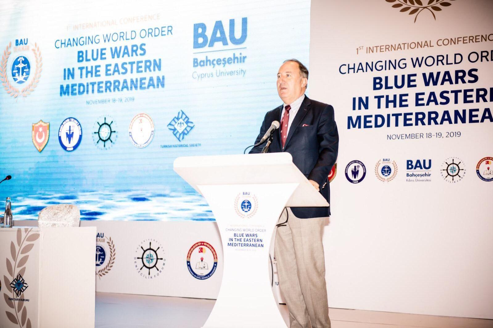 """Koç Üniversitesi Denizcilik Forumu (KÜDENFOR) Direktörü Emekli Amiral Cem Gürdeniz """"Asya Çağı'nın başlamasıyla birlikte Türkiye ve Kuzey Kıbrıs kilit önem kazandı"""" dedi."""