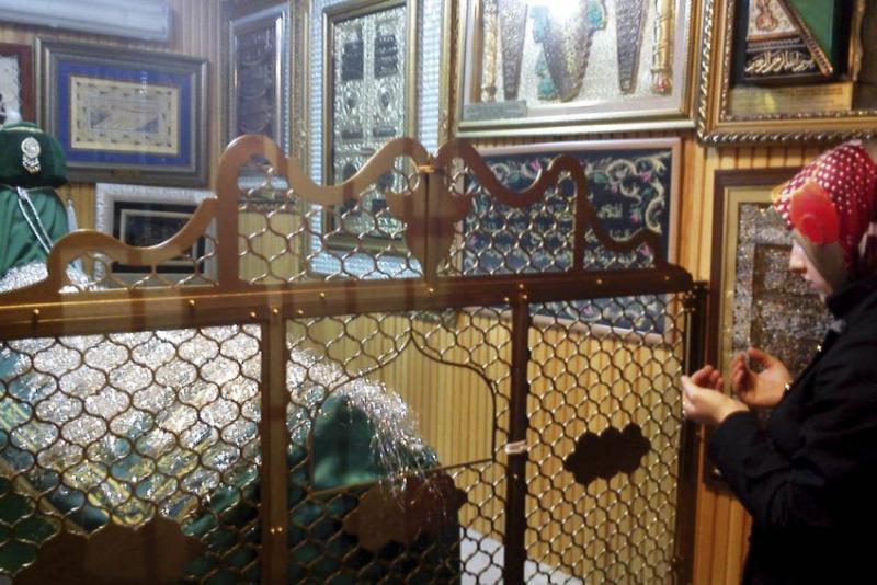 İnsanlar türbelere en çok dilek dilemek için gidiyor / Fotoğraf: nenerede.com.