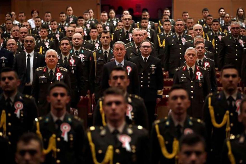 Törene katılan Milli Savunma Bakanı Hulusi Akar corona virüsü ile ilgili talimatları bizzat verdi.