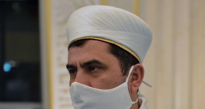 İlk namazı DİTİB Genel Başkan Kazım Türkmen kıldırdı.