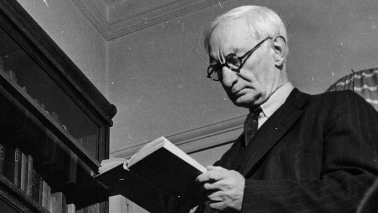 İngiliz iktisatçı ve siyaset adamı William Beveridge, 2. Dünya Savaşı sonrası İngiltere'sinde oluşturulacak refah devletine yön veren isimdi.
