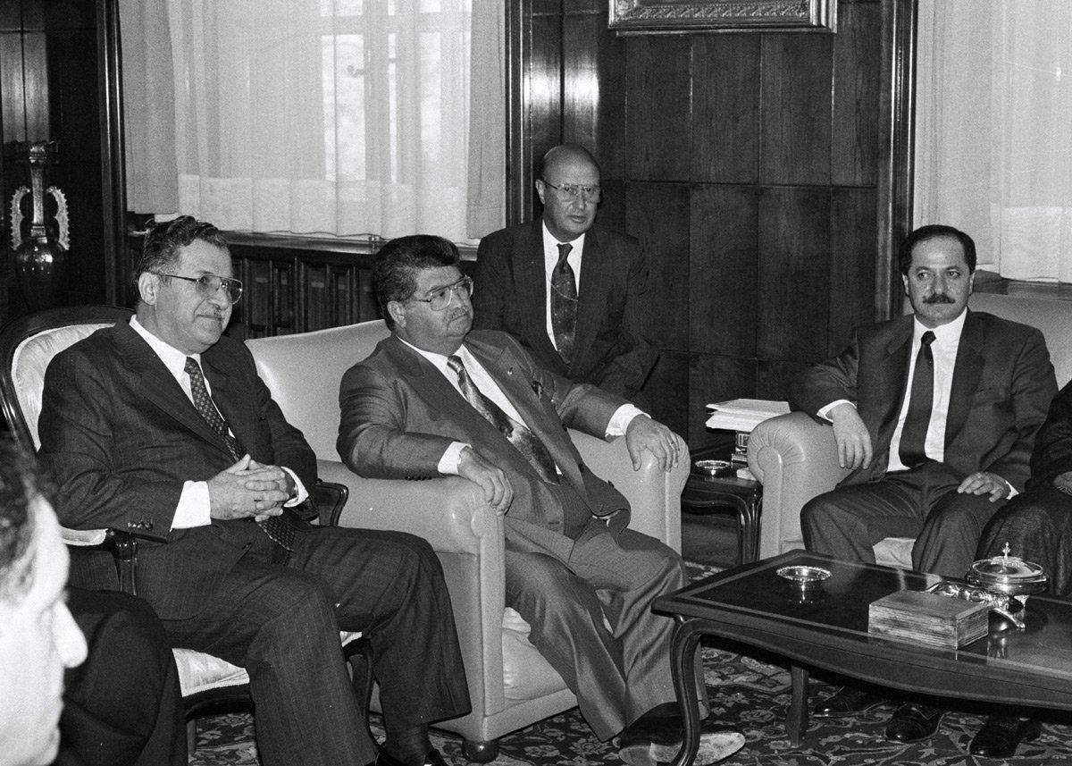 Turgut Özal, Celal Talabani ve Mesud Barzani ile birlikte.