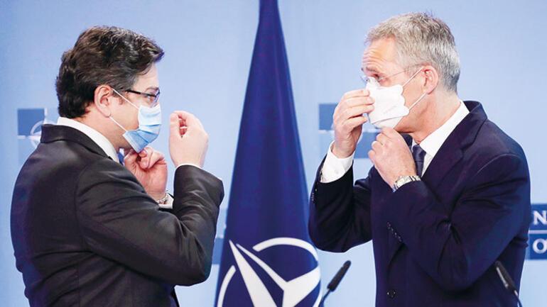 Dmytro Kuleba ile Jens Stoltenberg