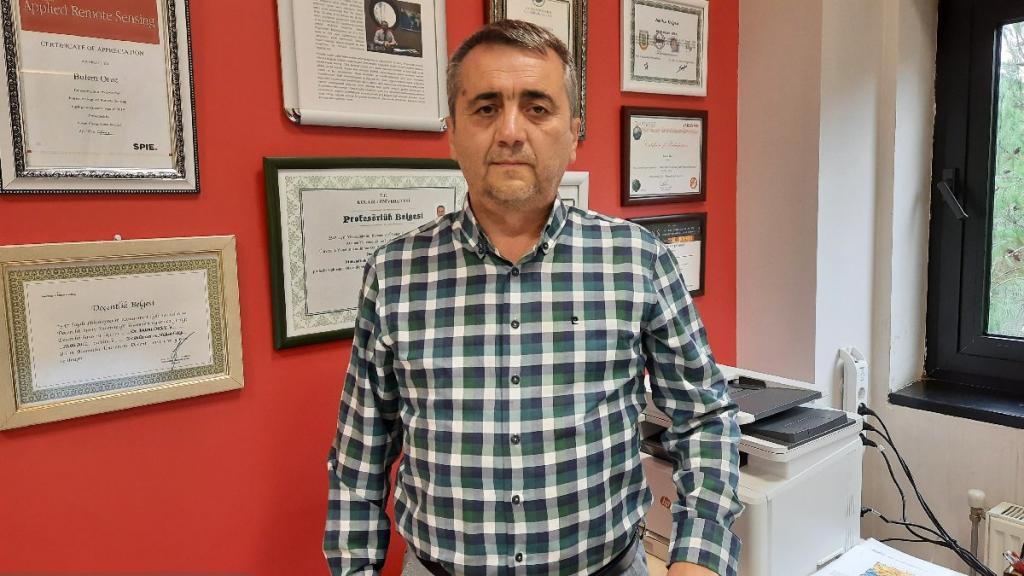 Kocaeli Üniversitesi Mühendislik Fakültesi Jeofizik Mühendisliği Bölüm Başkanı Prof. Dr. Bülent Oruç